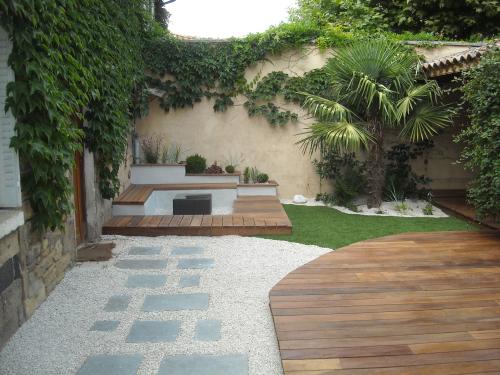 Paysagisme : aménagement d'un espace extérieur (69)