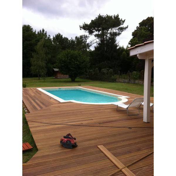 Entourage de piscine par terrasse bois