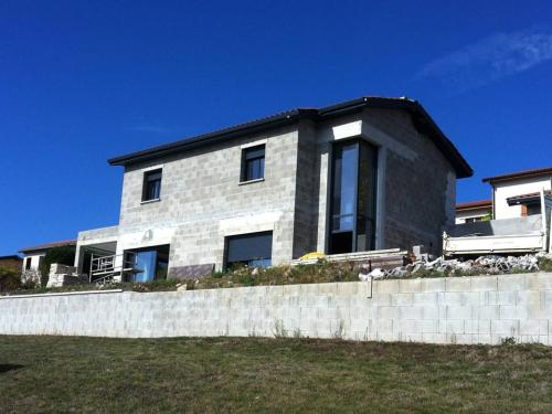 La réalisation du mois : réhabilitation d'une maison contemporaine - Craponne